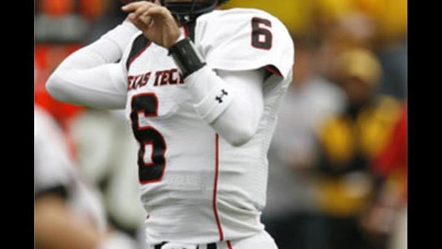 Tech Football Finishes in Top 25