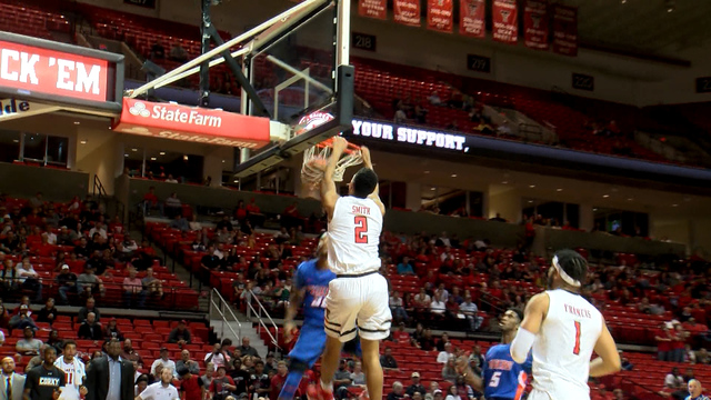 Men's Basketball Strolls Past Savannah State