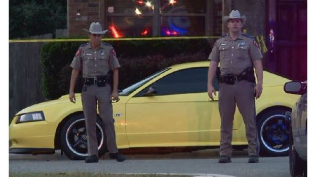 Texas cop fatally shot while serving warrant, suspect in custody