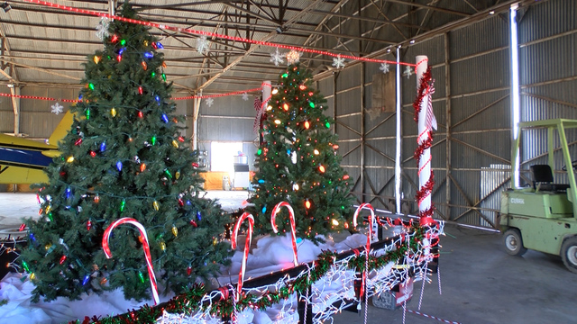 local businesses blinged out floats for littlefield christmas parade - How To Decorate A Christmas Parade Float