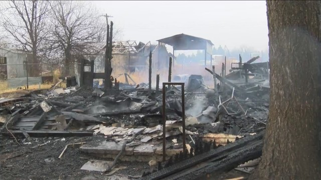 Lueders Family Visits the Aftermath of Christmas Eve House Fire