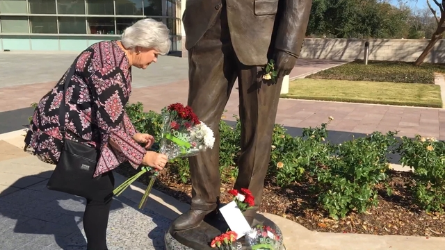 Visitors descend on Bush Library in College Station to honor Bush 41