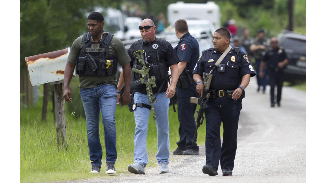 1 dead 3 including deputy wounded in east texas shootings. Black Bedroom Furniture Sets. Home Design Ideas